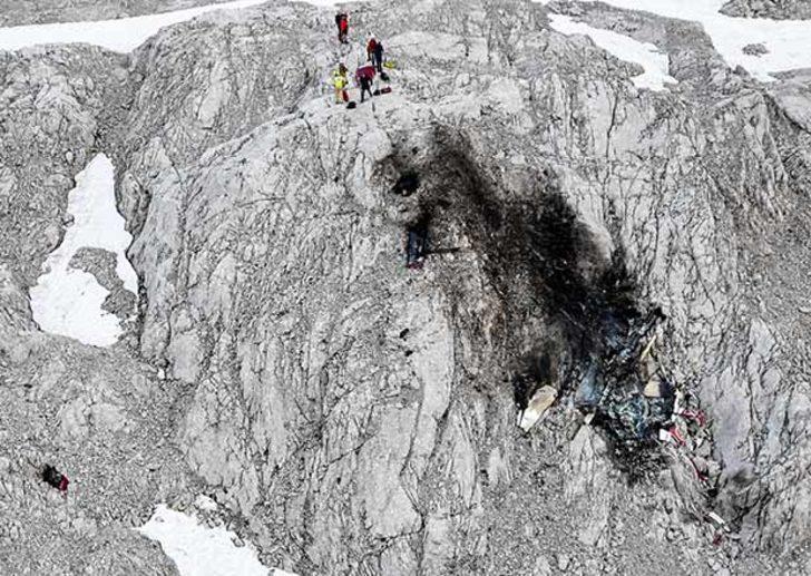 Avusturya'da uçak düştü: 3 ölü