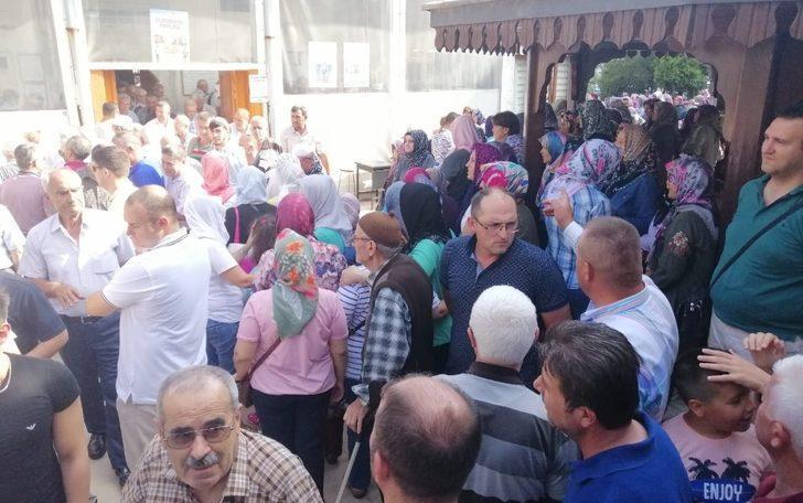 Hayrabolu'da hacı adayları kutsal topraklara uğurlandı