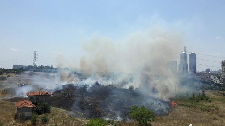Metris Cezaevi yanında askeri alanda yangın
