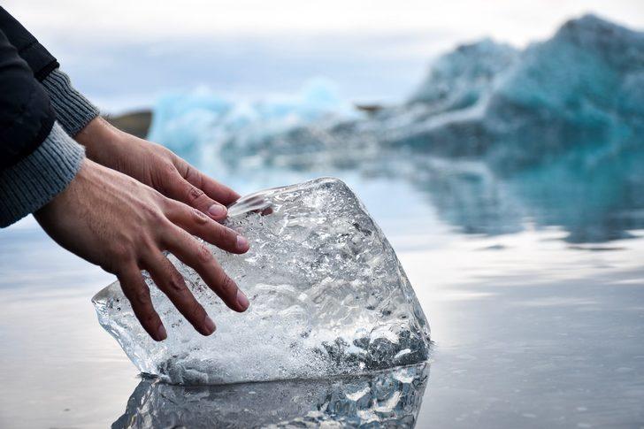 Buzullar erimesin diye ilginç bir yöntem buldular!