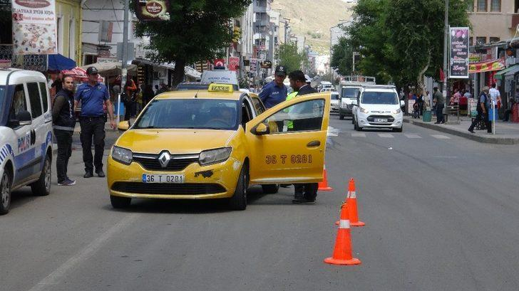 Kars'ta ticari taksilere denetim