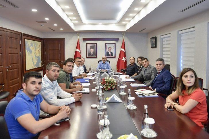 Adana'da 24 metruk bina kaldı
