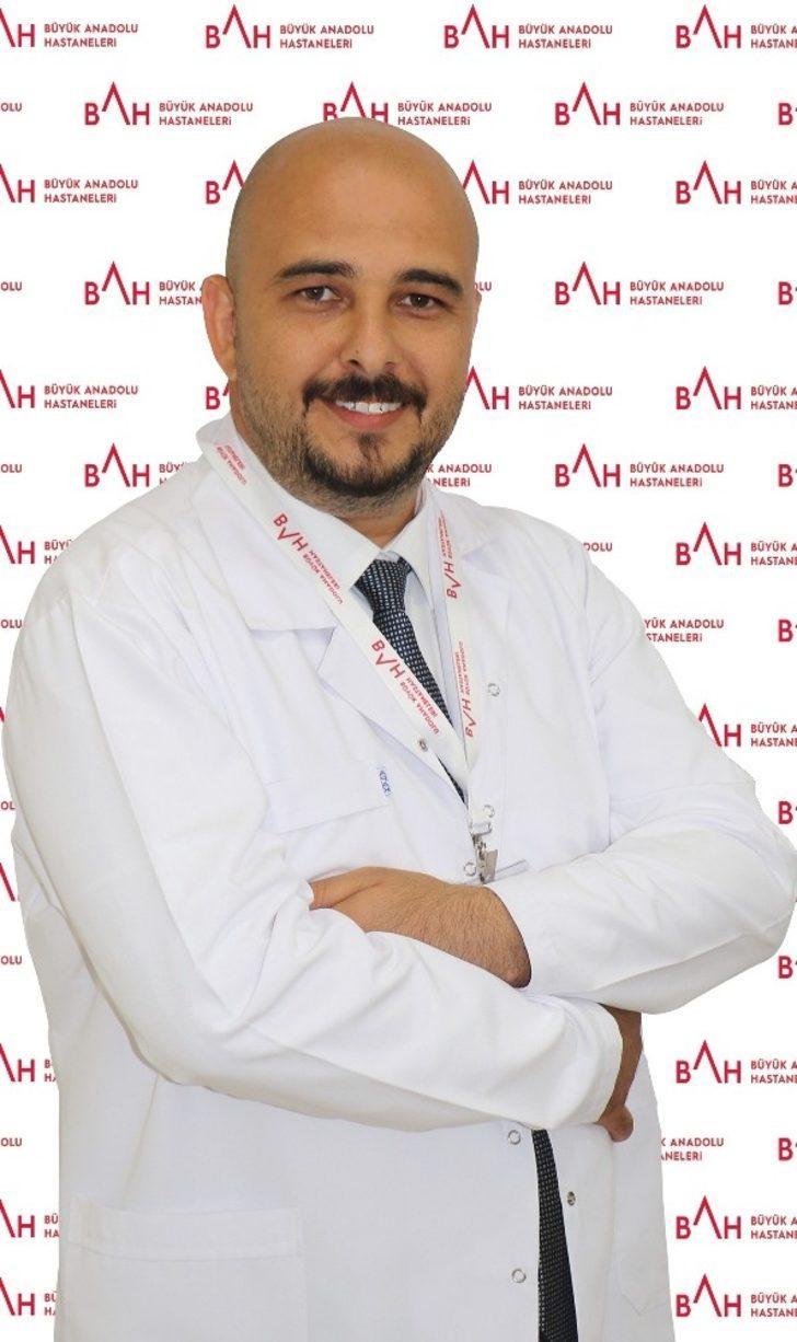 """Opr. Dr. Kınaş: """"Obezite ameliyatının ardından beslenmenin düzene oturtulması gerekir"""""""