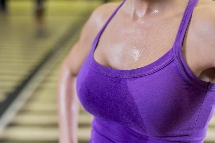Terleyen göğüsler için astar tasarladılar!  'Islak giysilere ve tahriş olmuş cilde elveda'