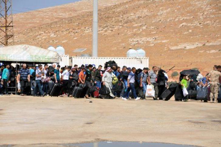 Suriyeliler sınır kapılarına akın etti! Yığılmalar nedeniyle geçişler yavaşladı