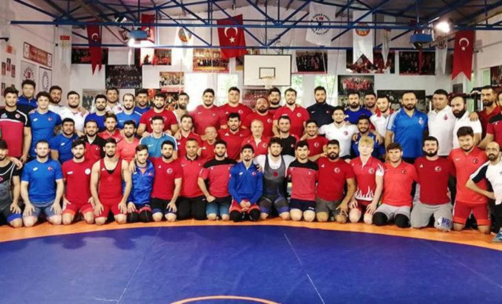 Grekoromen Güreş Milli Takımı Rusya'da