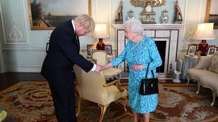 Brexit'te Devreye Kraliçe Girecek