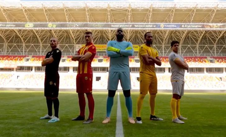 Yeni Malatyaspor, kayısılı forma tanıtımı yaptı