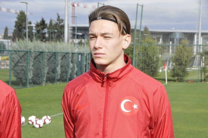 Medipol Başakşehir Efecan Barlık'ı transfer etti