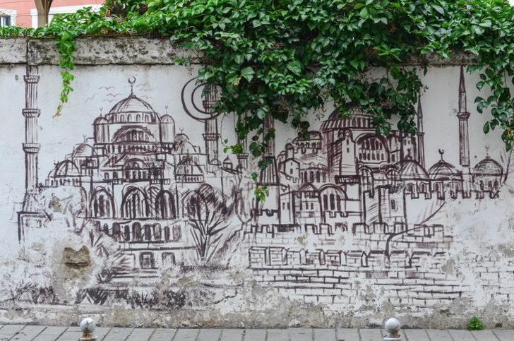 Duvar yazıları: Etkileyici, anlamlı, komik yazılar ile Çukur'dan duvar yazıları