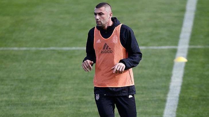Beşiktaş'ta Burak Yılmaz endişesi! Hasteneye götürüldü