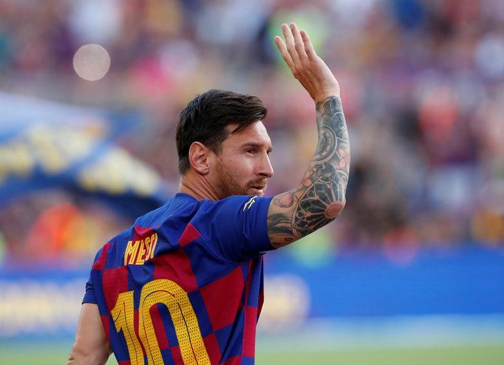 Lionel Messi çıktığı ilk antrenmanda sakatlandı