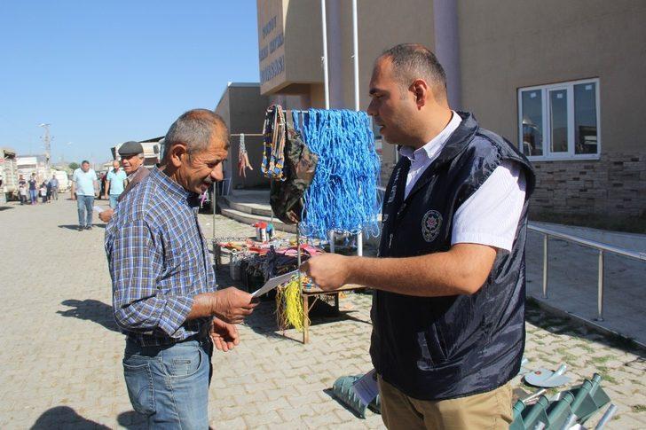 Polisten kurban pazarında sahte para uyarısı