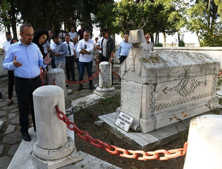 Bülent Turan'dan Gazi Süleyman Paşa ve Namık Kemal mezarlarına bayram ziyareti