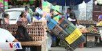 Venezuelalılar İşlerini Bırakıp Sokaklarda Satıcılık Yapıyor