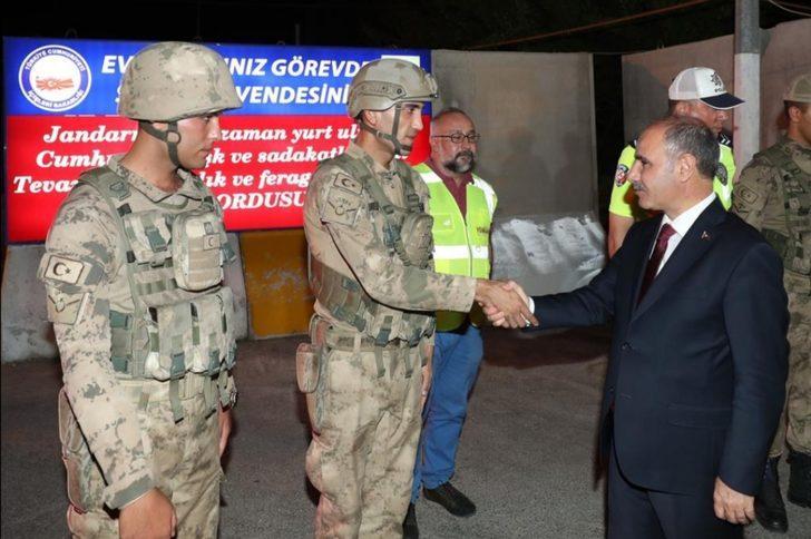 Emniyet Genel Müdürü Aktaş, jandarma ekipleriyle bayramlaştı
