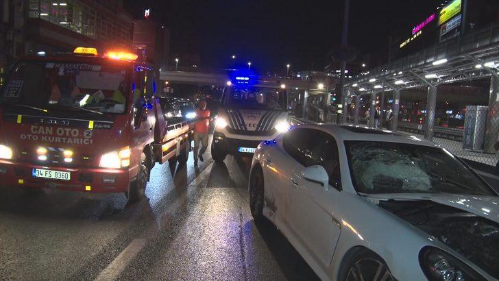 İstanbul'da zincirleme trafik kazası! Aracını bırakıp kaçtı!
