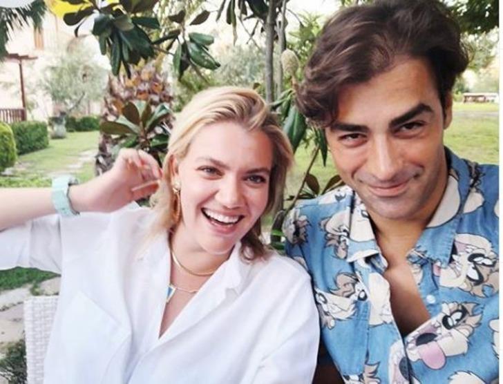 Sarp Levendoğlu sevgilisi Derya Şensoy ile ilk kez fotoğraf paylaştı