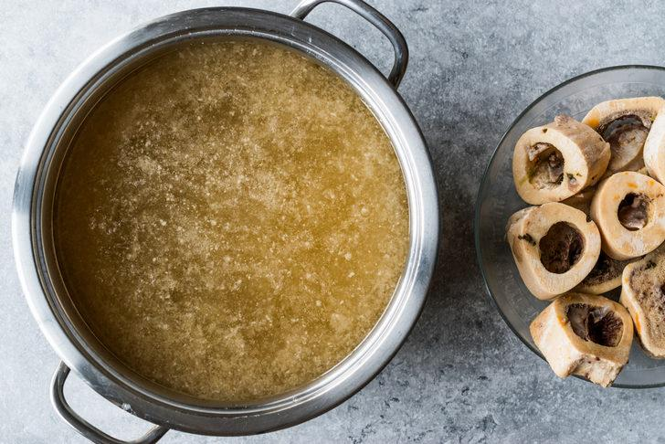 Her evde bulunması gereken en doğal ilaç: Kemik suyu nasıl yapılır?