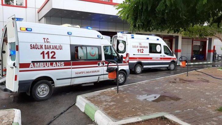 Gaziantep'te motosiklet otobüs durağına çarptı: 1 ölü, 1 yaralı