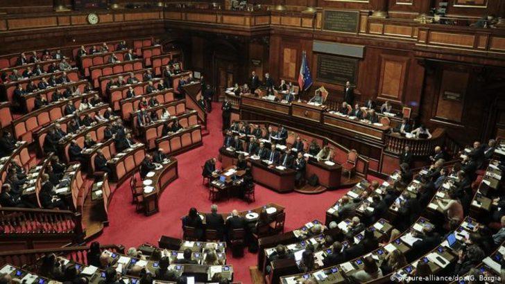 İtalya'da senatodan erken seçim tarihi çıkmadı