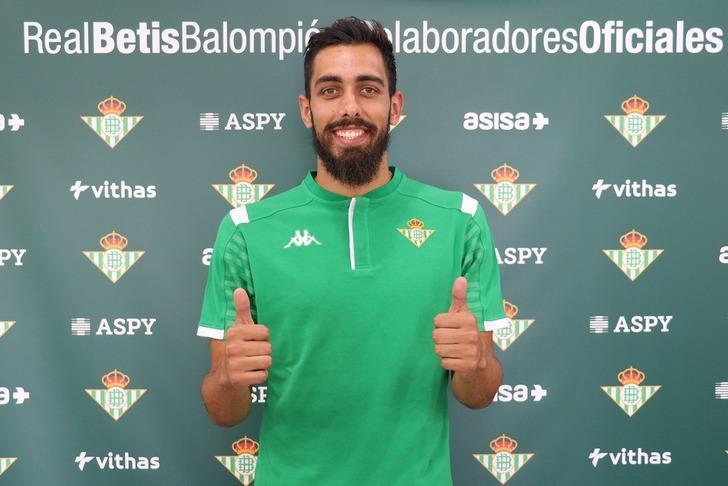 Real Betis Borja Iglesias ile 5 yıllık sözleşme imzaladı