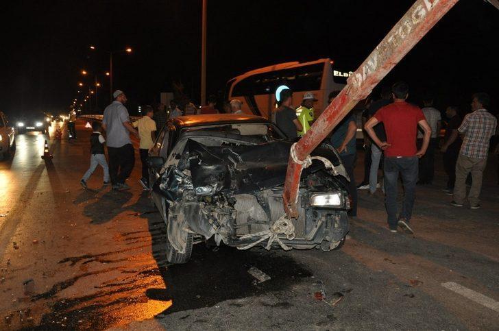 Kahramanmaraş'ta otomobil kamyonetle çarpıştı: Çok sayıda yaralı var!