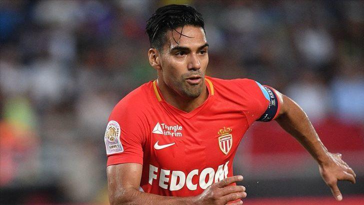 Falcao, Monaco'nun Metz maçı kadrosundan çıkarıldı