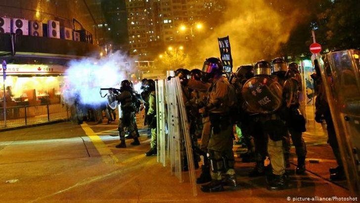 "Çin'den Hong Kong'a ""askeri müdahale"" uyarısı"