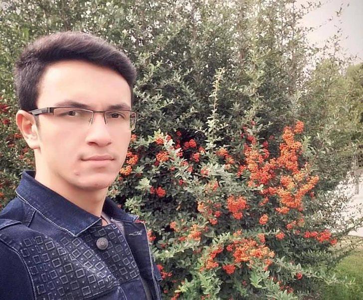 Otomobilin çarptığı motosikletin sürücüsü genç öldü