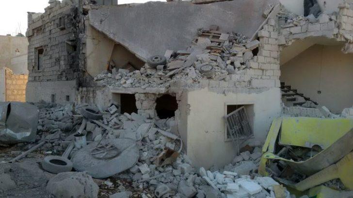 İdlib'te Ambulans Merkezi Vuruldu 3 Sağlık Çalışanı Öldü