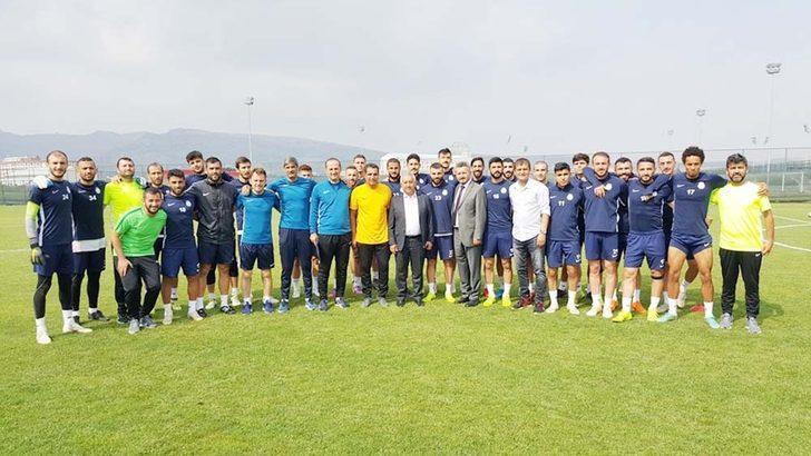 Başkan Zeybek,  AFJET Afyonspor antrenmanını izledi