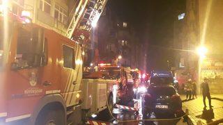 İstanbul'da iş merkezinde korkutan yangın!
