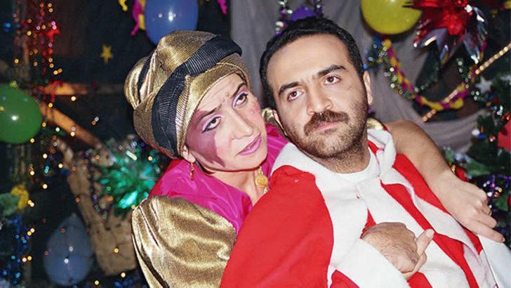 Bir Demet Tiyatro'nun efsane karakteri Feriştah Yenge'den fentezi ve seks kokan unutulmaz replikler