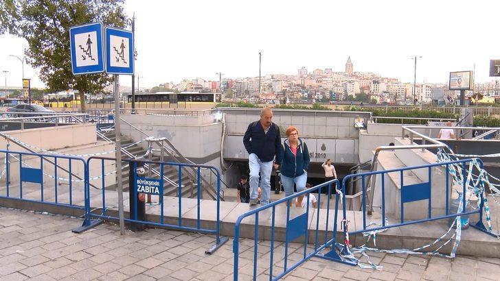 Vatandaşlar Eminönü alt geçidini kullanınca zabıta yeniden kapattı