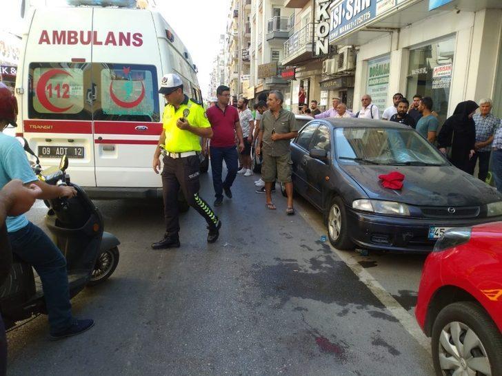 Motosikletin çarptığı yaşlı adam hastaneye kaldırıldı
