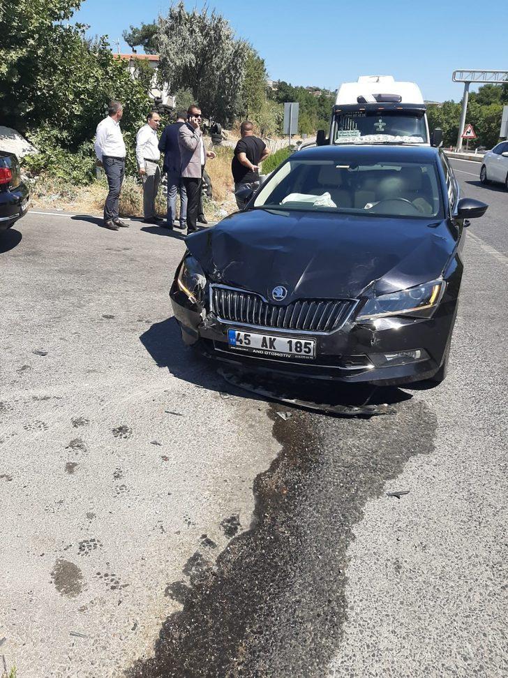 Son dakika! AK Partili iki milletvekili trafik kazası geçirdi