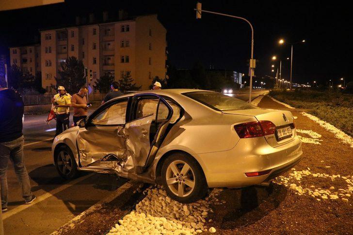 Sivas'ta feci kaza! Çok sayıda yaralı var!