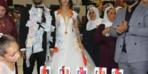 Düğünde şaşırtan görüntü! Altın yerine bakın ne taktılar