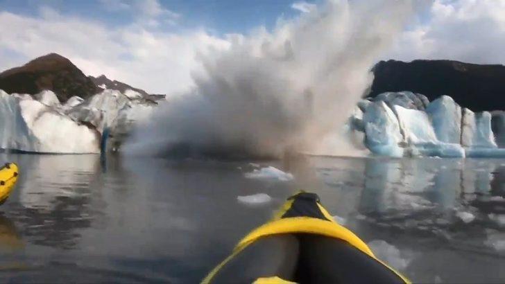 Buzul kırılarak suya düştü, kanocular ölümden döndü