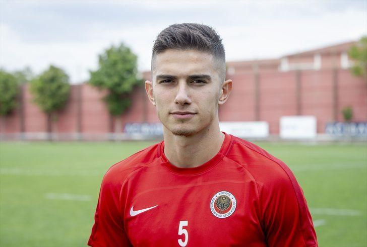 Berat Ayberk Özdemir: Avrupa'da oynamaya hazırım