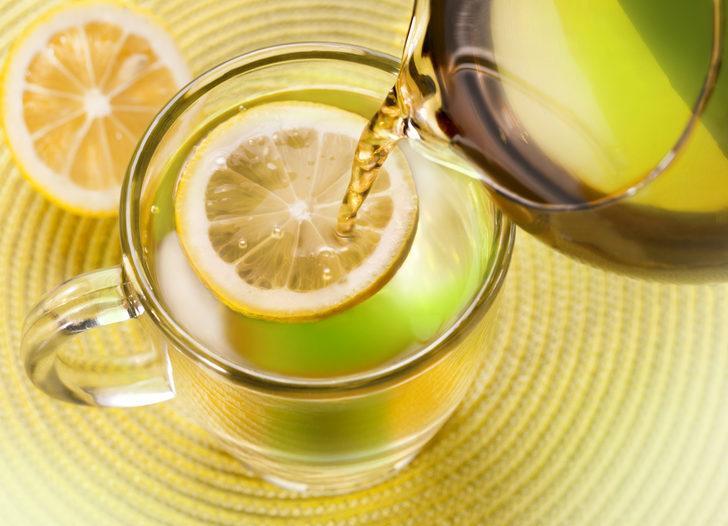 Limonlu su zayıflatır mı? Limonlu su içmek için 8 neden