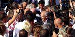 Kılıçdaroğlu'na Edremit'te zeytinyağı ve zeytin ağacı hediye edildi