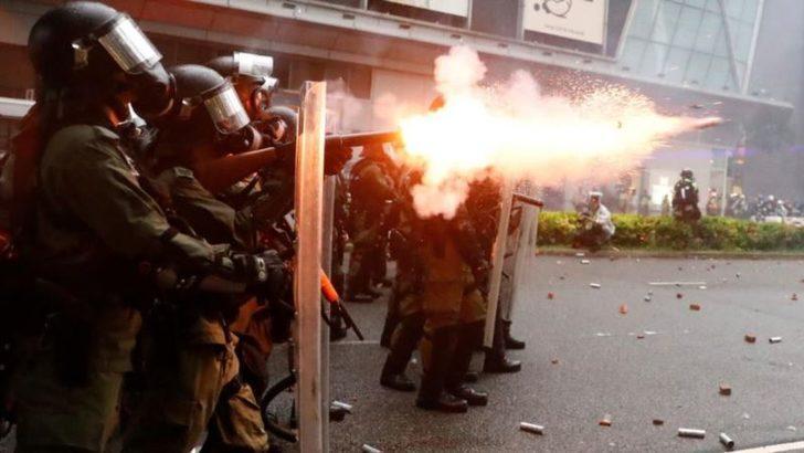 Hong Kong'da Yine Çatışmalar