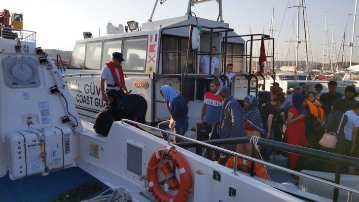 Dikili ve Çeşme açıklarında 69 kaçak göçmen yakalandı