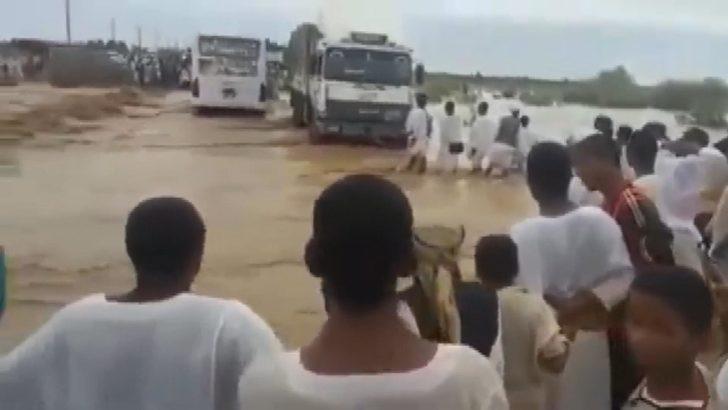 Sudan'da selde hayatını kaybedenlerin sayısı 62'ye yükseldi