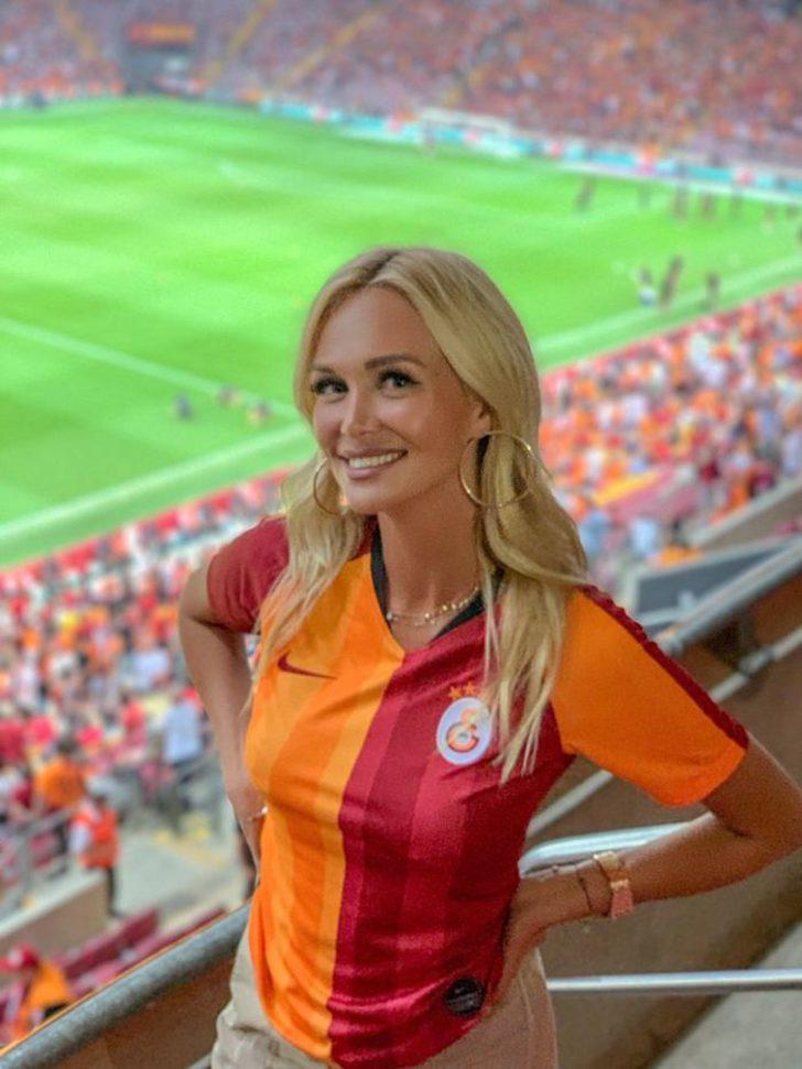 Rus güzel Victoria Lopyreva'dan Galatasaray sürprizi