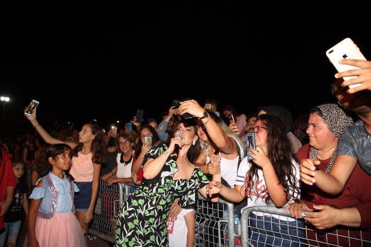Vatandaşlar Kum Zambağı Festivali ile eğlendi