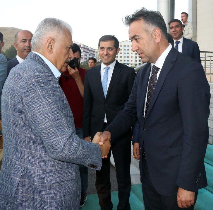 Ak Parti İzmir Milletvekili Yıldırım, Bitlis Valisini ziyaret etti