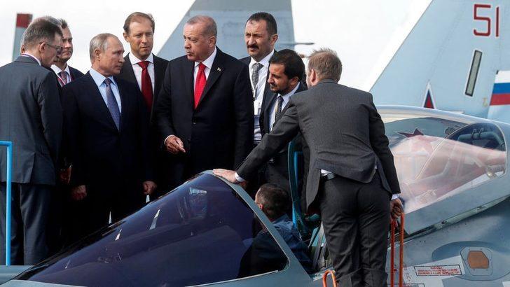 Erdoğan ile Putin Moskova'da Rus Sukhoi SU-57 savaş uçağını inceledi